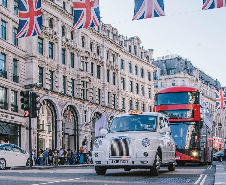 London_ShoppingStreet